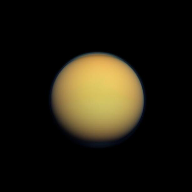 Titan vu par la sonde Cassini (source NASA/JPL-Caltech/Space Science Institute)