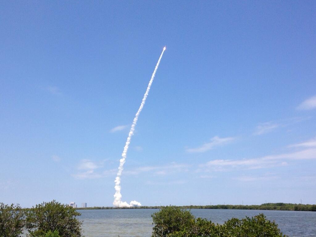 Décollage de la fusée Atlas 5 avec NROL-67 à son bord (photo de @RyInSpace)