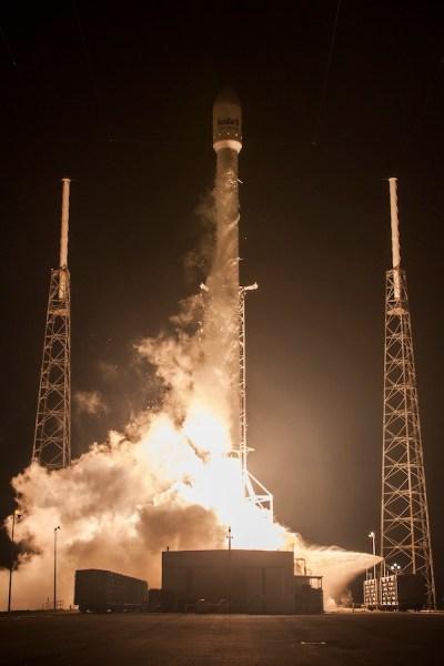 Lancement de FALCON 9 / AsiaSat 8 le 05/08/14  (Photo credit: AsiaSat/SpaceX)