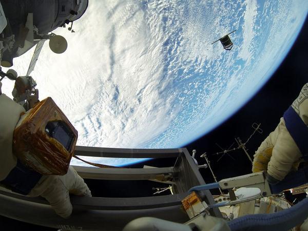EVA-18-08-14.jpg