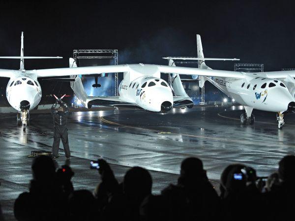 L'avion porteur WhiteKnightTwo au sol avant un décollage du SpaceShipTwo (source Virgin Galactic)