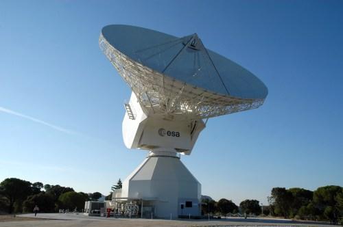 "L'antenne de 35m ""deep-space tracking"" de l'ESA à Cebreros, en Espagne. (Credit: ESA)"