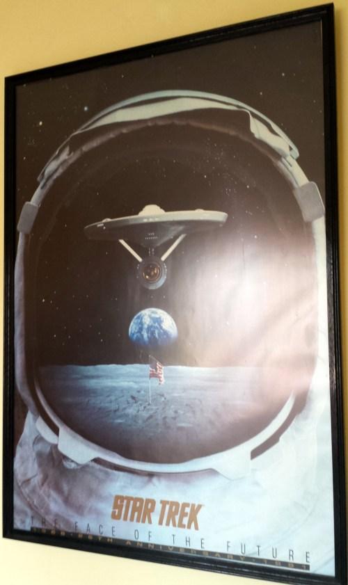 le poster de Star Trek chez moi qui illustre bien la proximité Science-Fiction / Exploration Spatiale
