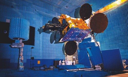 Le satellite SES-6 dans une salle de test à Toulouse. (Photograph: Toby Smith/Getty Images Reportage)