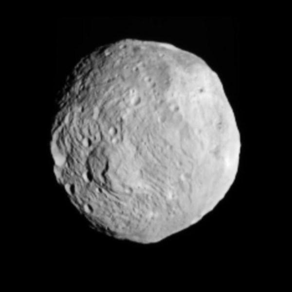 Image de Vesta capturée par Dawn le 9 Juillet 2011. (Credit: NASA/JPL-Caltech/UCLA/MPS/DLR/IDA)