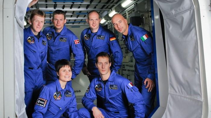 Tim Peak, Andreas Mogensen, Alexander Gerst, Luca Parmitano , Samantha Cristoforetti, Thomas Pesquet (de gauche à droit en commençant par le haut). (credit ESA)