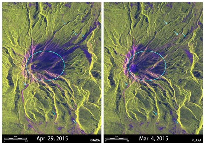 Images agrandies du volcan Calbuco après (à gauche, le 29 avril 2015) et avant l'éruption (à droite, le 4 mars 2015). Les images montrent clairement que la forme du sommet de la montagne a changé et de grands cratères sont apparus. La couleur de l'image après l'éruption a des zones plus sombres qu'auparavant autour du sommet de la montagne (cercles bleu clair). Cela signifie que l'état de surface du sol a changé en raison du dépôt du produit volcanique. Les flèches dans l'image indiquent des traces veinées probablement en raison des cendres volcaniques ou de coulées de boue. (Credit JAXA)