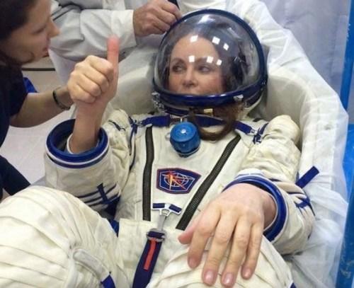 Sarah Brightman en combinaison spatiale Sokol lors de son entrainement (Credit: Sarah Brightman)
