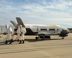 Atterrissage de la 3e mission de l' X-37B en octobre 2014 (Crédit: Boeing)