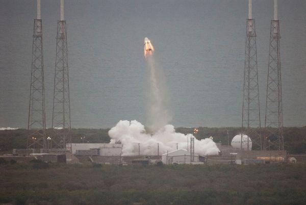 Space X Dragon V2 Pad Abort Test