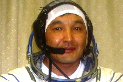 Le cosmonaute kazakhAydin Aimbetov s'envolera vers l'ISS à bord du Soyouz TMA-18M (source www.inform.kz)
