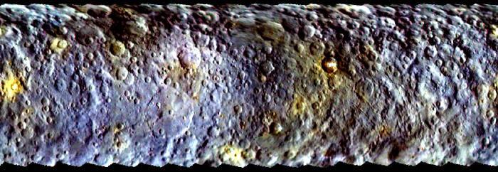 Cette vue de la carte projetée de Cérès a été créé à partir d'images prises par la sonde Dawn de la NASA au cours de sa première approche de la planète naine, avant d'être capturé en orbite en Mars à 2015. (Crédit image: NASA / JPL-Caltech / UCLA / MPS / DLR / IDA)