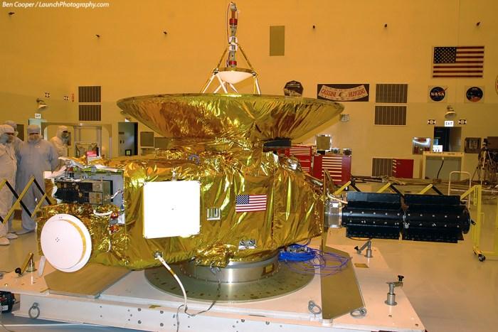 La sonde New Horizons de la NASA avant son lancement en 2006 (© Ben Cooper - http://www.launchphotography.com/)