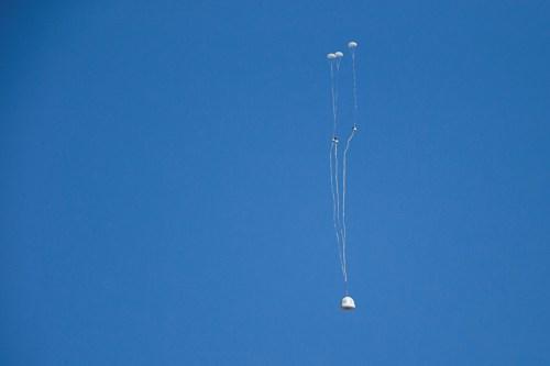 Le lanceur New Shepard de Blue Origin a décollé à nouveau le 22/01/16 et la capsule inhabitée a été larguée au-dessus de 100 km d'altitude (credit Blue Origin)