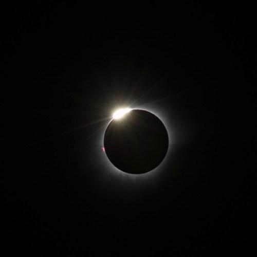 L'éclipse totale du Soleil du 9 mars 2016 depuis Palu en Indonésie (Credit : Justin Ng)