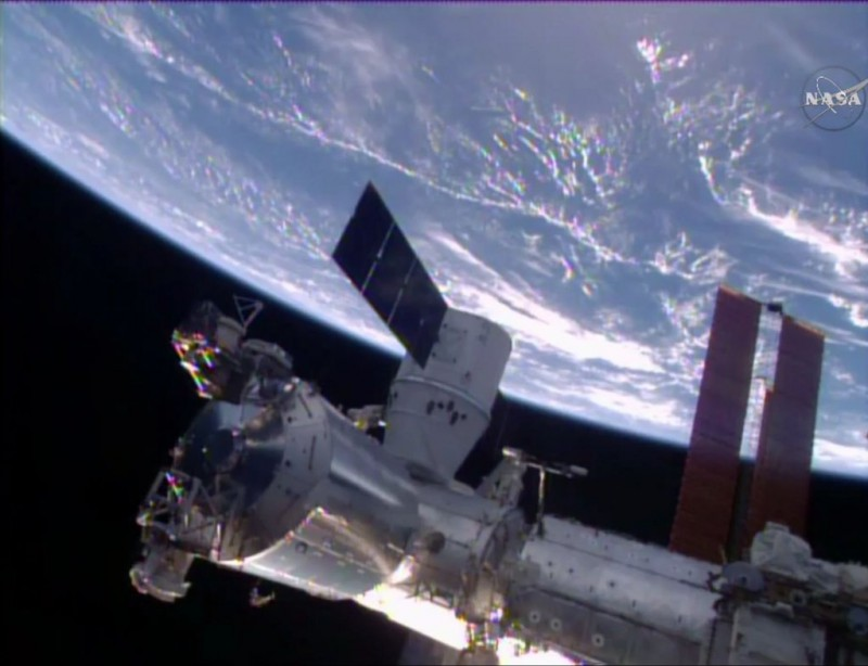 dragon_crs-8_ISS