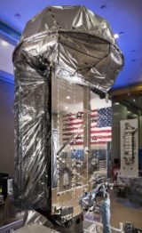 Le satellite MUOS 5 en intgération finale (credit Lockheed Martin)