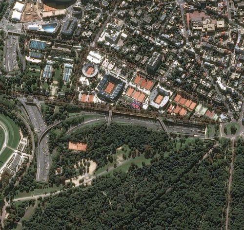 Roland-Garros à Paris photographié par le satellite Pléiades le 25/09/2016 (Crédits: CNES 2015, Distribution Airbus DS)