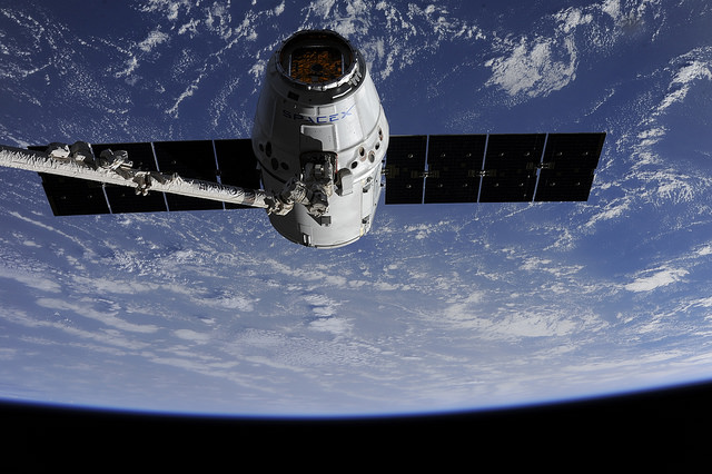 dragon_CRS_9_capture_ISS