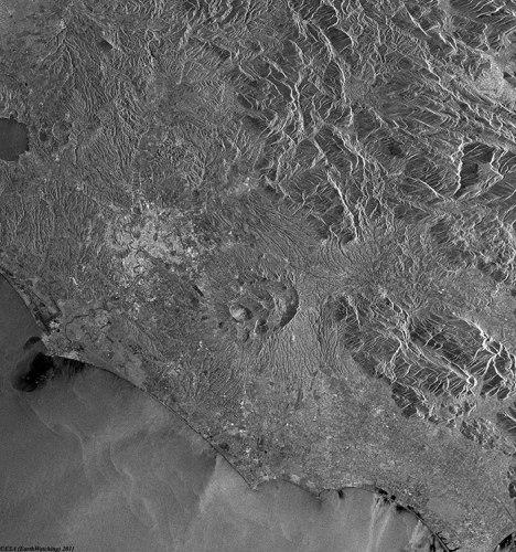 La première image du satellite ERS-1 : Rome et ses environs photographiés le 28/12/1991 (credit ESA)