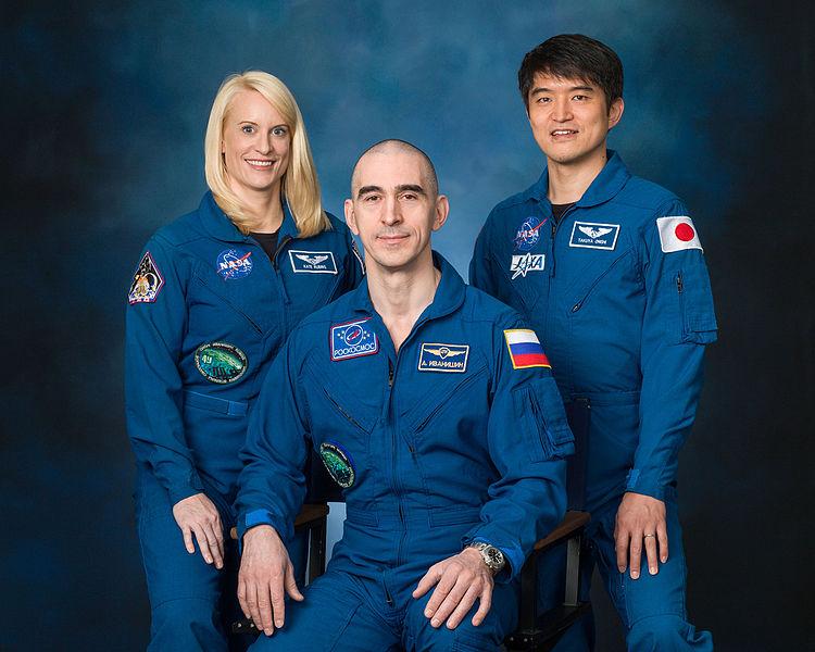 expedition_49_crew_portrait_with_astronaut_kate_rubins_cosmonaut_anatoly_ivanishin_and_astronaut_takuya_onishi
