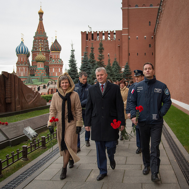 L'Expedition 50/51 et sa doublure lors de la cérémonie hommage à Moscou (credits Bill Ingalls/NASA)