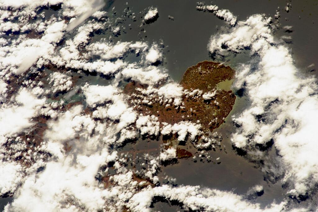 france-from-iss-by-astro_wakata_courbet-peninsula-dec-7-180-mm