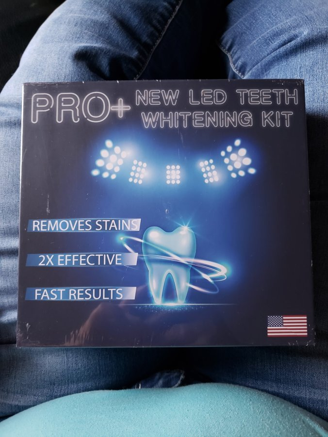 Front of Purean whitening kit box
