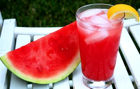 Watermelon-Lemonade-565x360