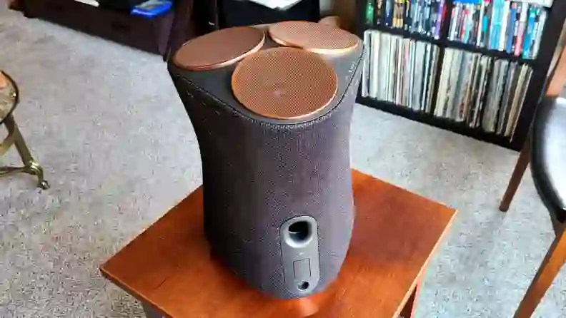 Sony SRS-RA5000 bass port on end table