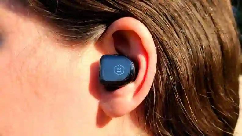 Master  Dynamic MW08 in-ear closeup