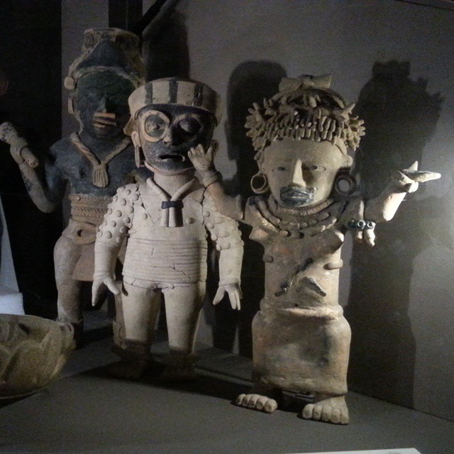 Pre-Columbian Aztec figurines. Photo by ReviewerPhoto.com.
