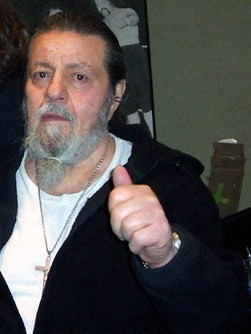 Lou_Albano_and_a_fan_crop
