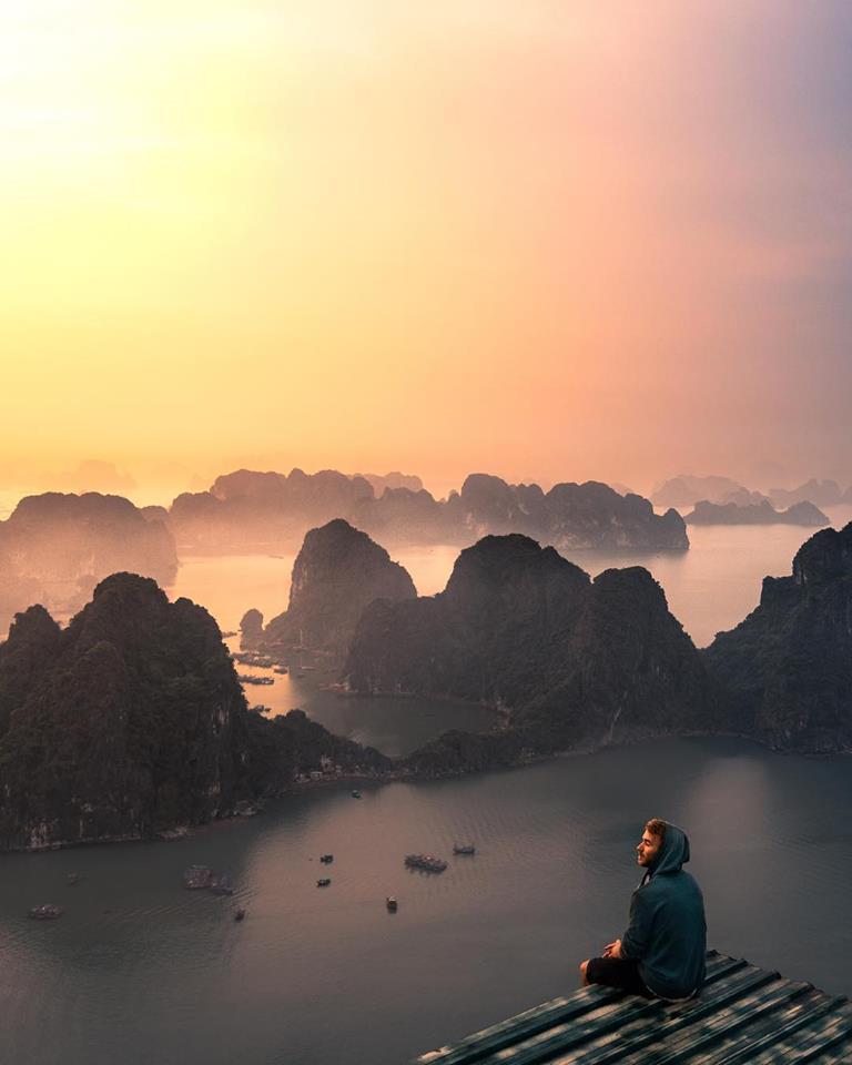 Check-in núi Bài Thơ, địa điểm sống ảo nhất vịnh Bắc bộ