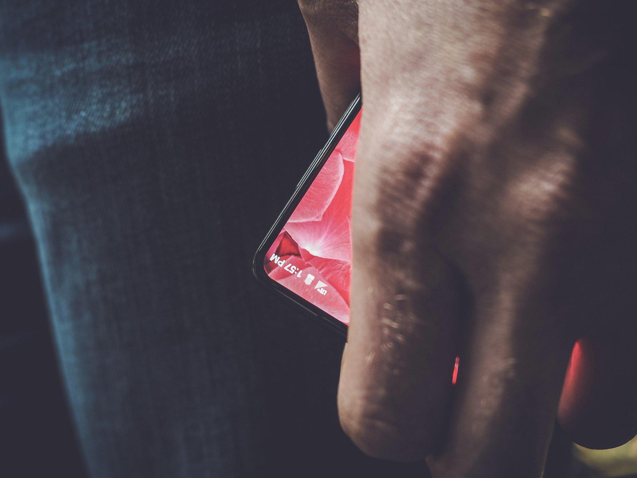andy rubin essential smartphone