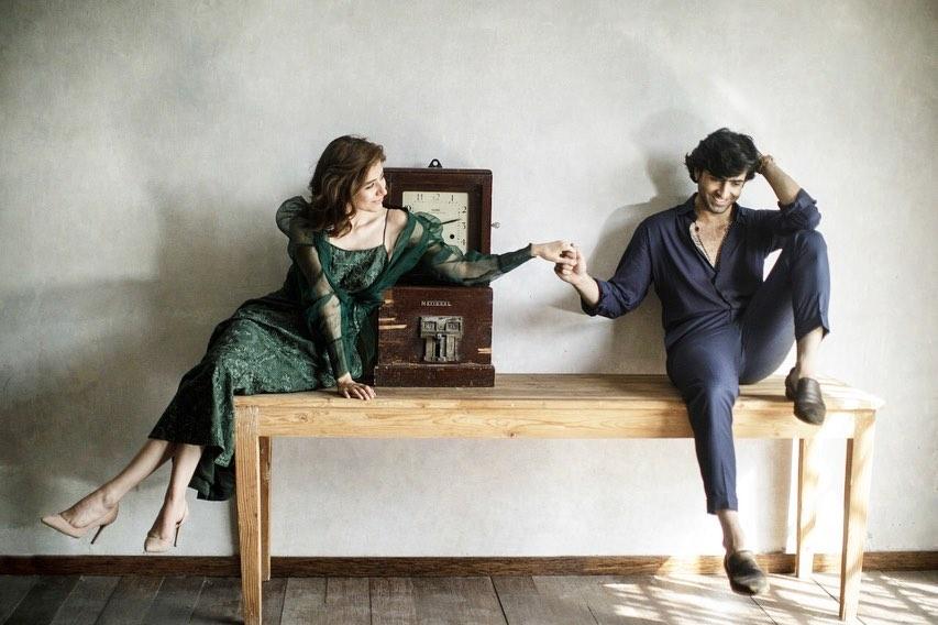 Sheheryar Munawar and Syra Yousuf Latest Photoshoot for OK Pakistan |  Reviewit.pk