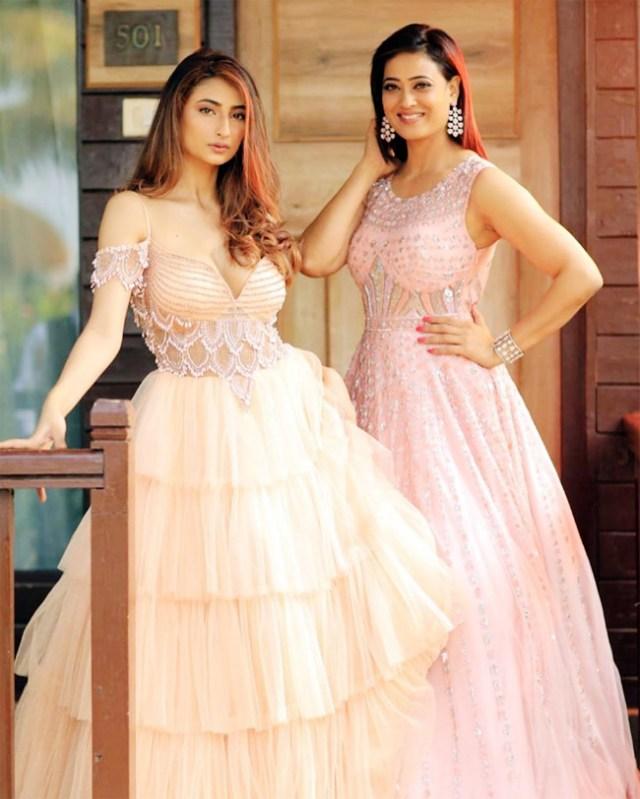 Shweta Tiwari Daughter   10 Captivating Pictures – diKHAWA Fashion - 2021  Online Shopping in Pakistan