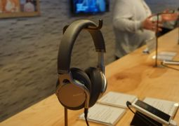 Sony MDR-1AM2 Over-Ear Headphones