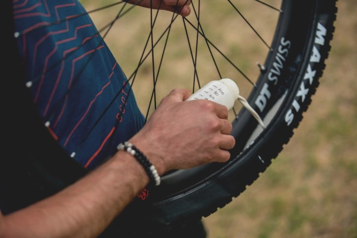 How to Set-Up Tubeless Tires with Yanick The Mechanic