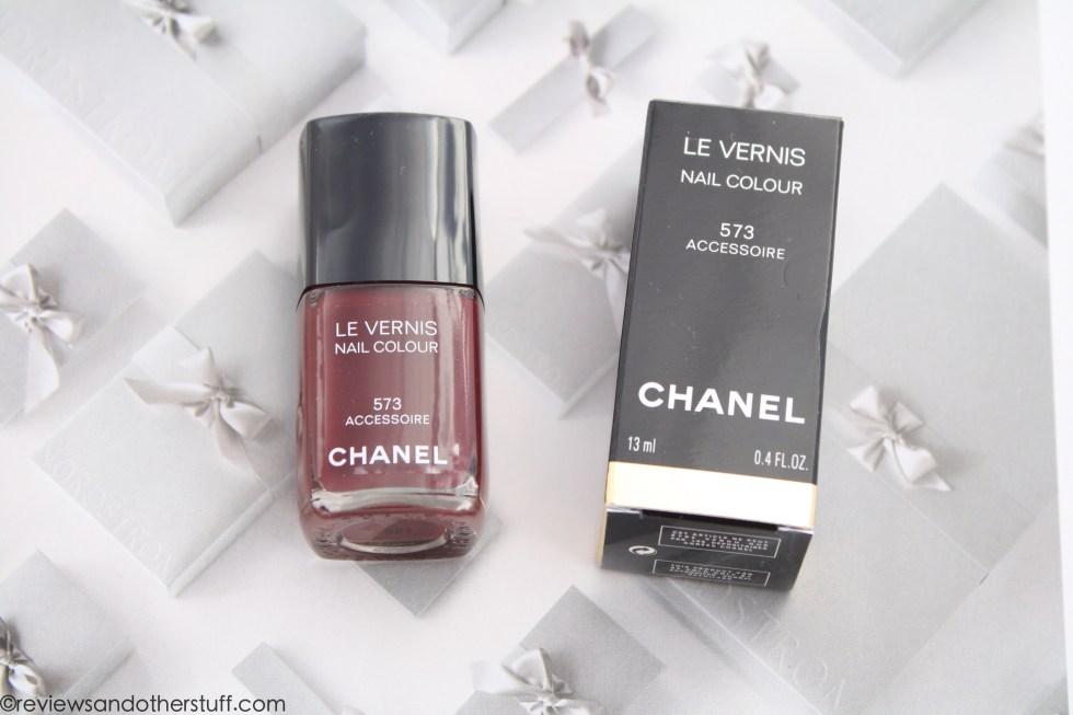 chanel nail polish accessoire