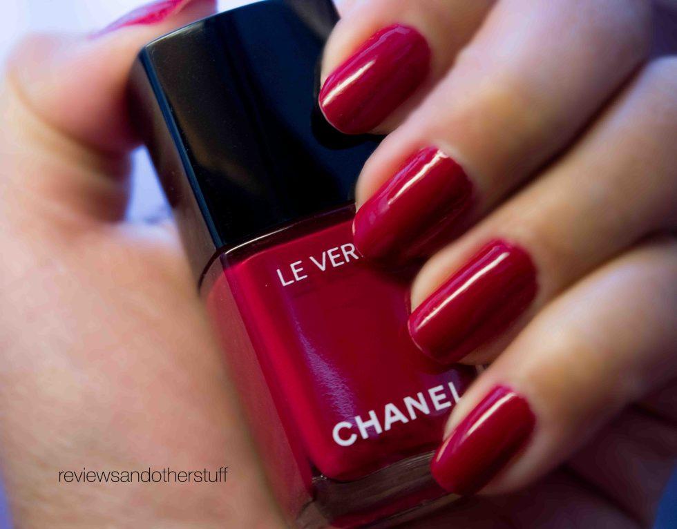 New Chanel Long wear Nail polish in Shantung