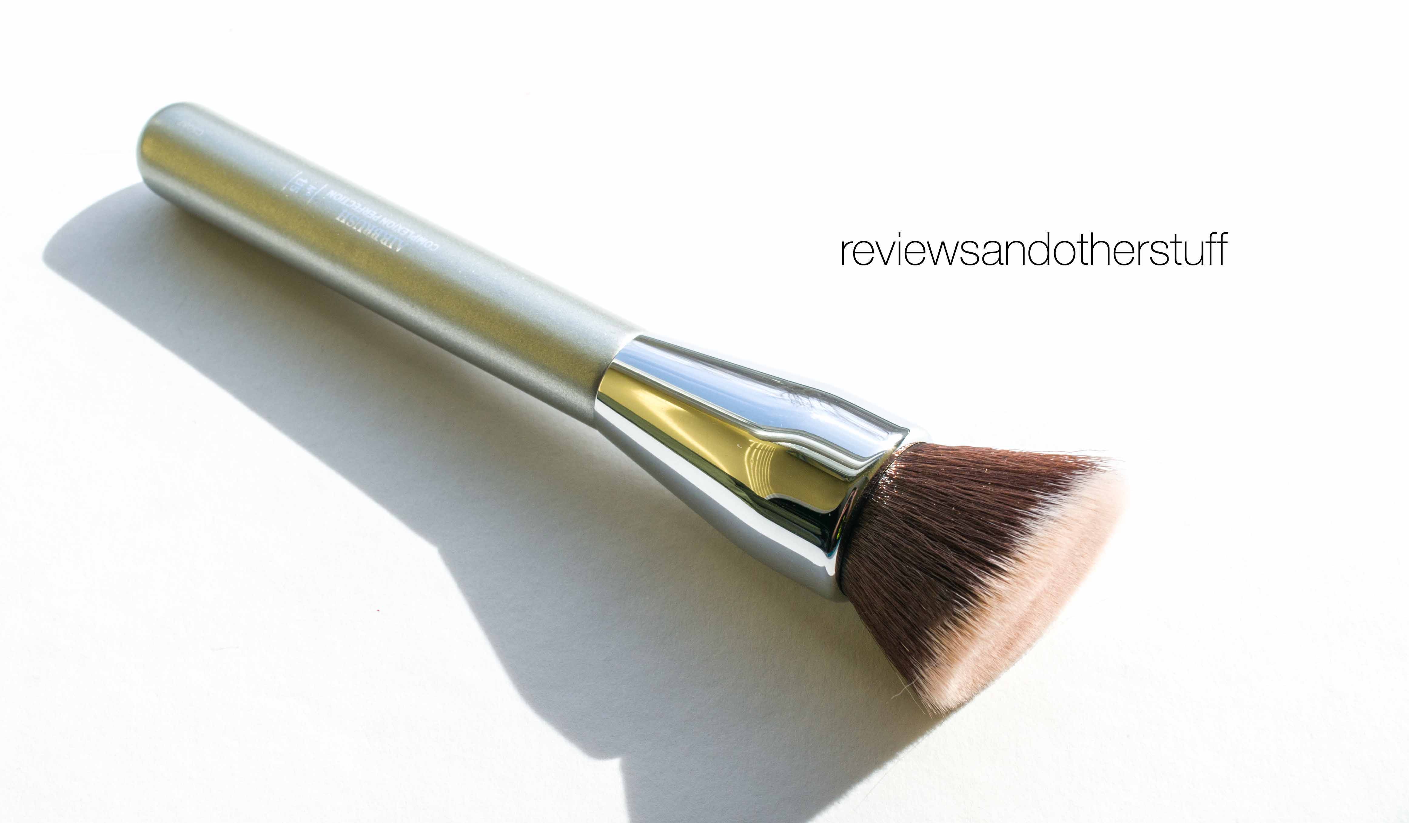 It Cosmetics x ULTA Airbrush Complexion Perfection Brush #115 by IT Cosmetics #4
