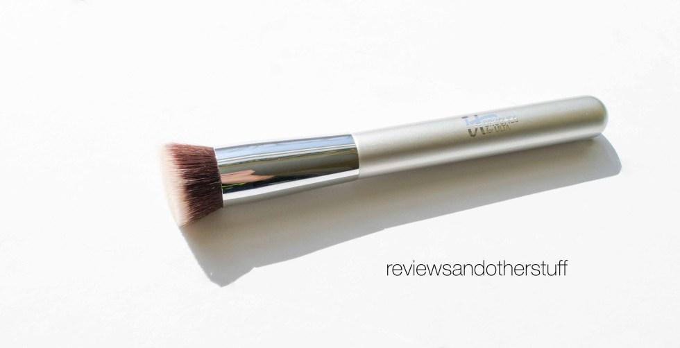 ulta it brush airbrush serum foundation brush 131
