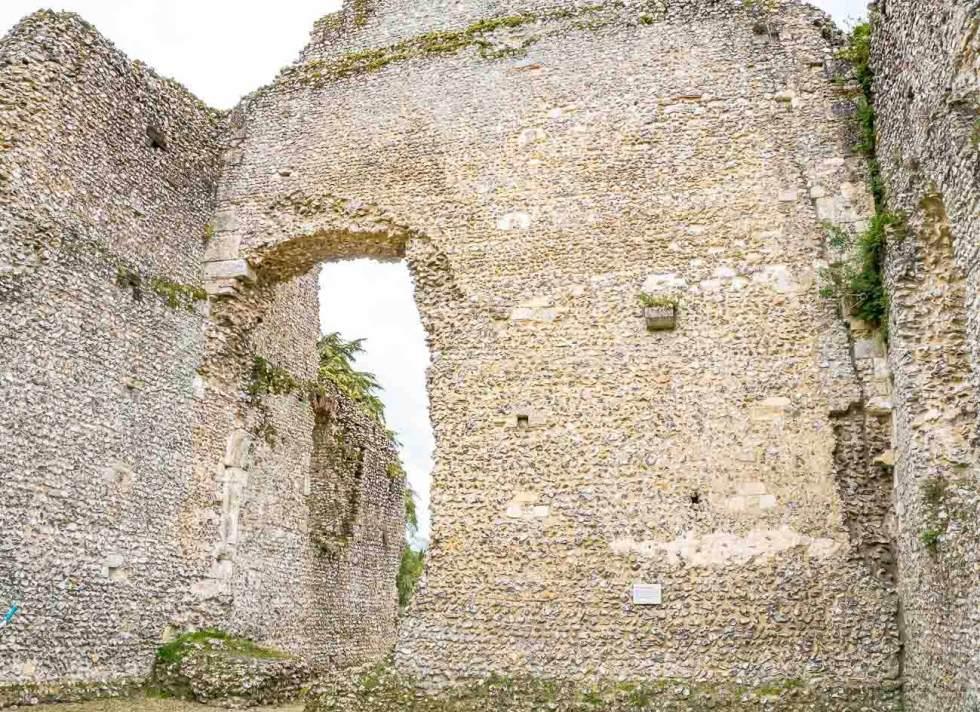 ruins of bishop's waltham