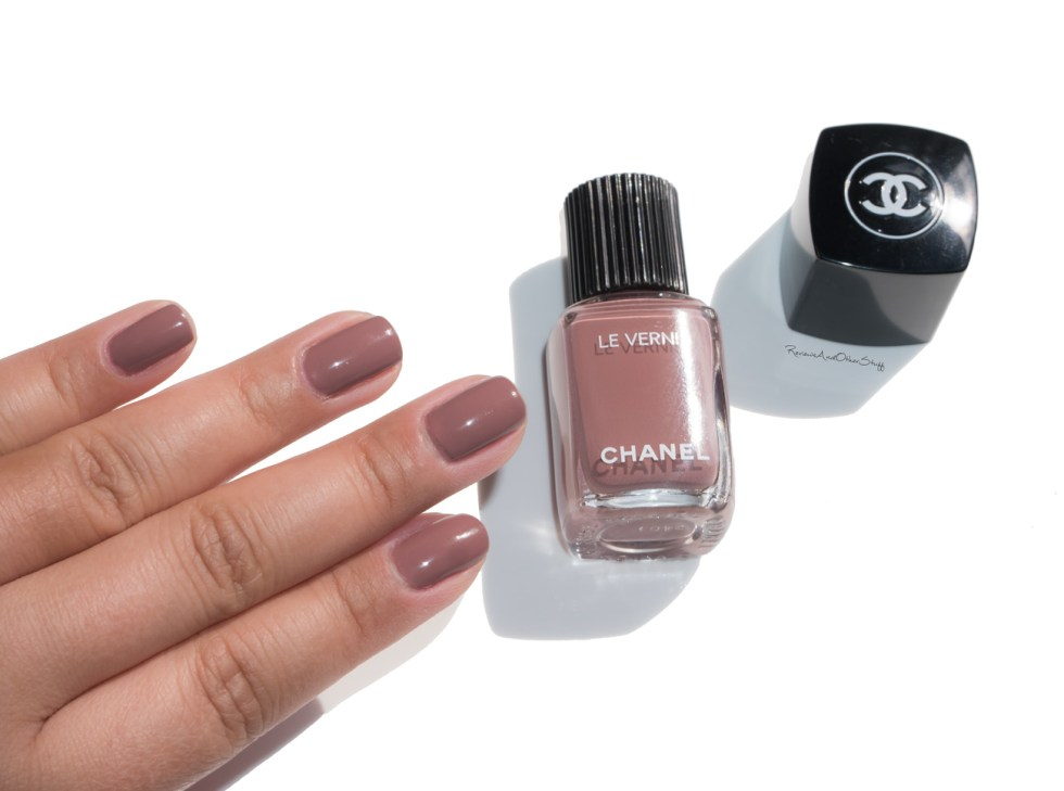 Chanel Le Vernis Longwear Nail Colour Chicness review