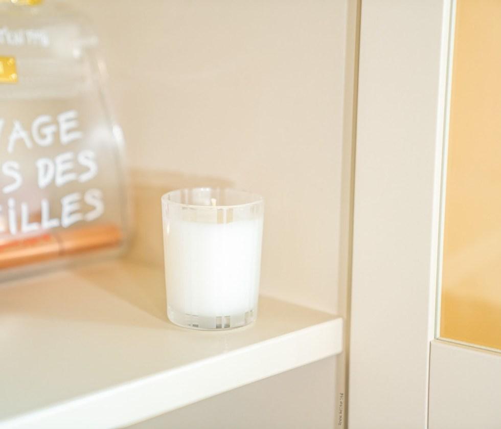 nest linen candle