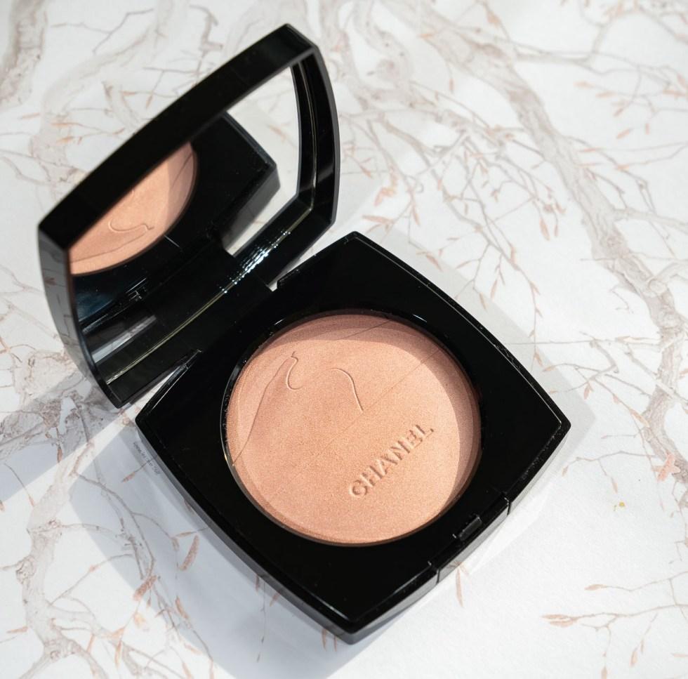 chanel beauty spring 2020 Illuminating Powder in Éclat Du Désert review