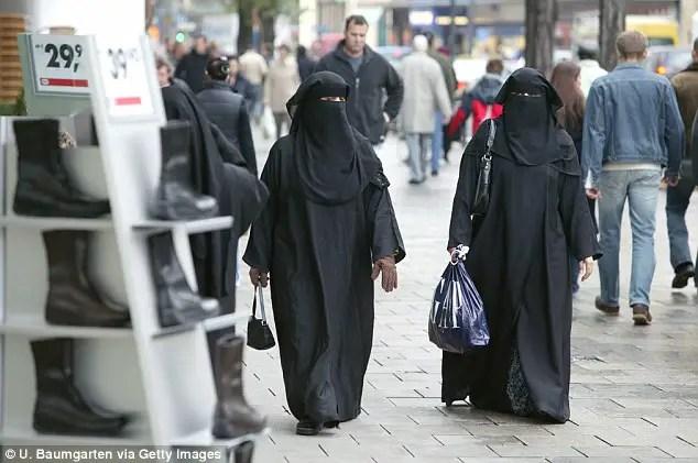 dress islamic identity.jpg
