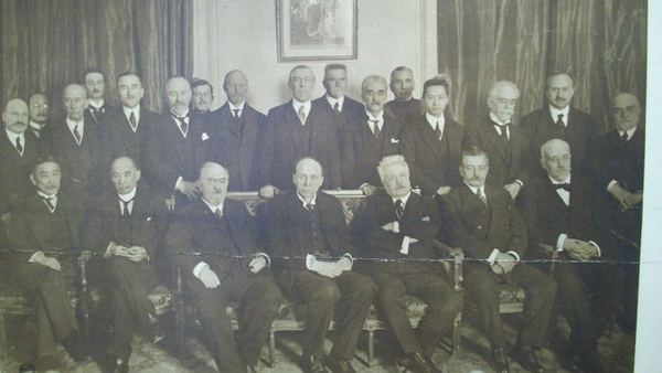A photography showing some of the representatives from member states of the League of Nations