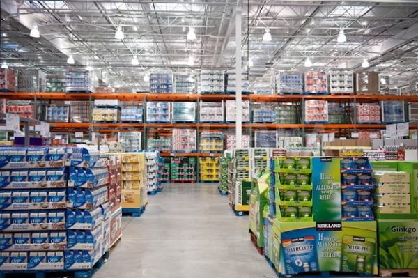 Wholesale shop. Image credit stocktraque.com